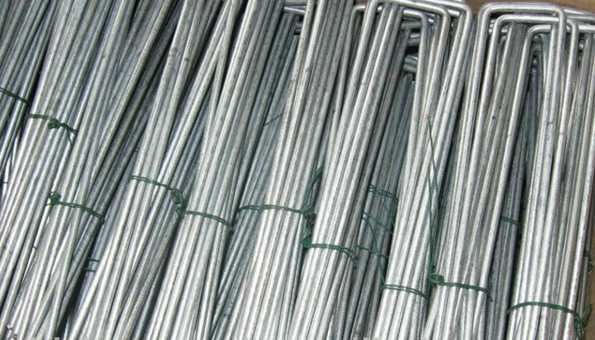 Flat Head Galvanized Steel Landscape Staples Securing Ground Cover Fabrics